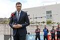 Sánchez entrega la Gran Cruz del Mérito Deportivo a Iniesta 01.jpg