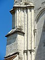 Saint-Germer-de-Fly (60), abbatiale, façade occidentale, colonnettes à gauche.jpg