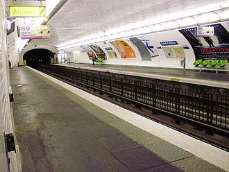 Saint-Sulpice (Paris Métro) - Image: Saint Sulpice metro 02