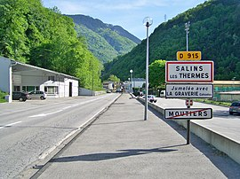 The road into Salins les Thermes