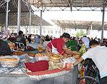 Samarkand naan at Siyob Bazaar.jpg