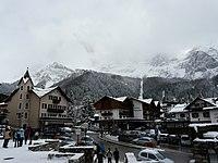 San Martino di Castrozza, centro con neve.JPG