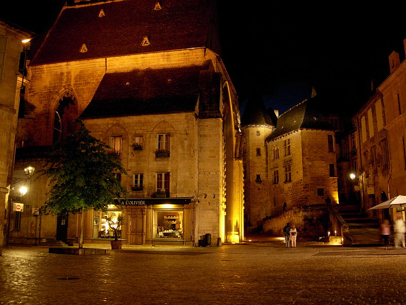 Image:Sarlat-medieval-city-by-night-17.jpg
