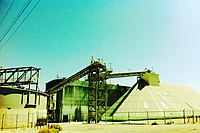 Searles Valley Minerals - panoramio (1).jpg