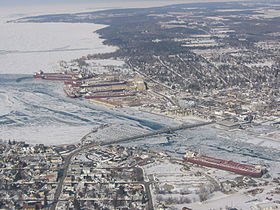 Ships in Sturgeon Bay.jpg