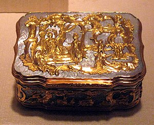 Decorative box - 18th-century German gold and mother of pearl snuffbox