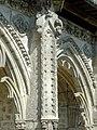 Soissons (02), abbaye Saint-Jean-des-Vignes, cloître gothique, galerie ouest, contrefort (exemple) 2.jpg