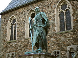 Limburg-Stirum - Statue of Adolf I de Monte, first Count of Berg, at Schloss Burg