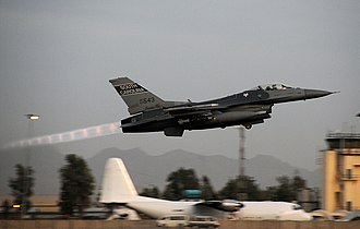Shock diamond - Shock diamonds from an F-16 taking off with afterburner