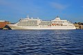 Spb Evening MV Silver Whisper at English Embankment.jpg