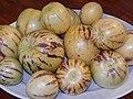 Starr-140402-0145-Solanum muricatum-fruit-Hawea Pl Olinda-Maui (25241547875).jpg