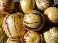 Starr-140402-0149-Solanum muricatum-fruit-Hawea Pl Olinda-Maui (25148380271).jpg