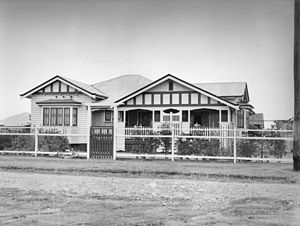 Queenslander (architecture) - A single-storey Queenslander ca. 1935