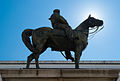 Statua di Garibaldi contro luce.jpg