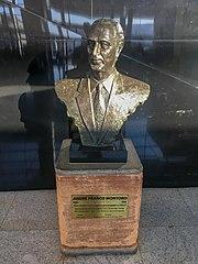 Franco Montoro (bust)