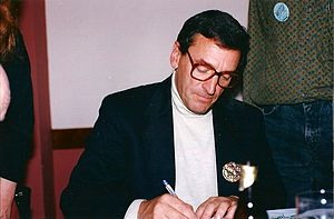 Stephen Greif - Image: Stephen Greif At A Signing