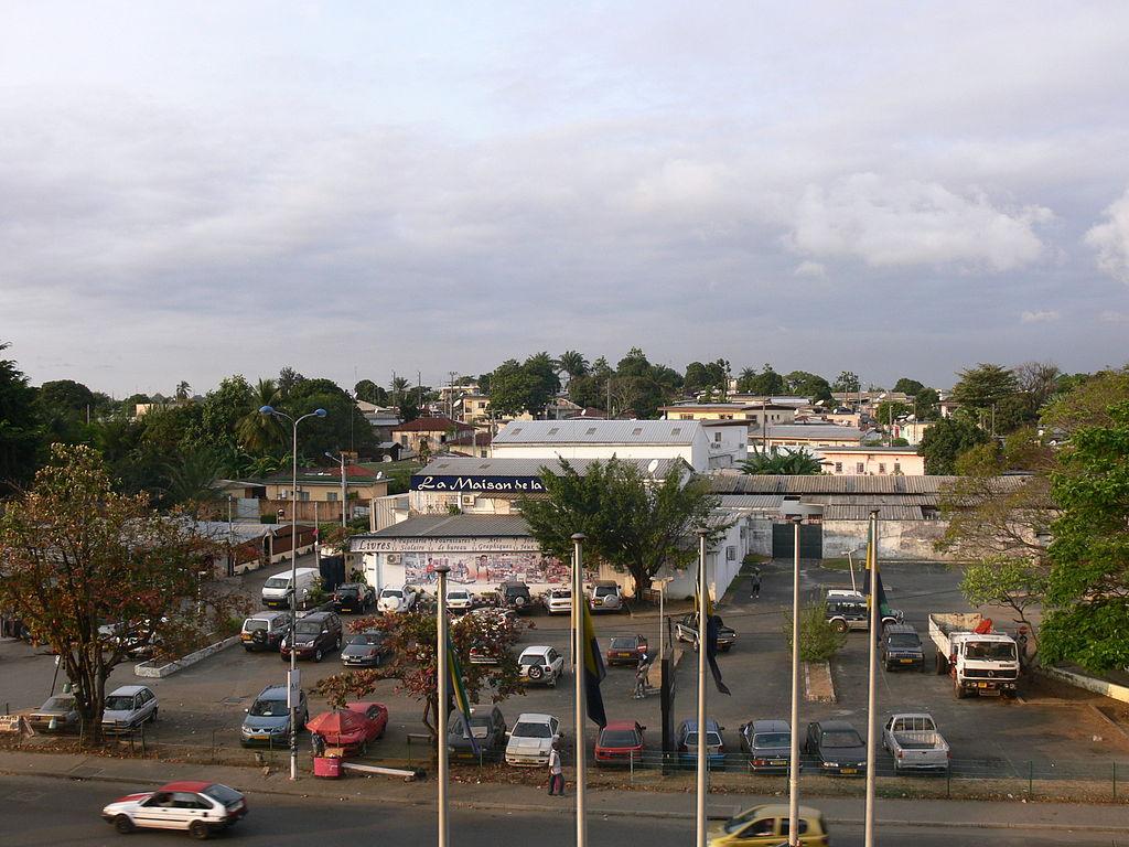 Street scene Libreville 3.JPG