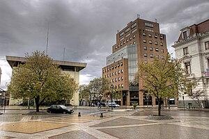 Español: Una mañana lluviosa en la Plaza de Ta...