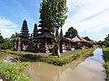 Taman Ayun Temple - 2015.02 - panoramio.jpg