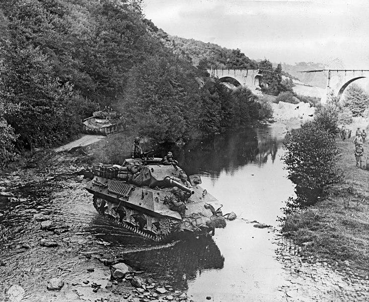 TD M10 Tamiya 1/35 733px-Tank_destroyers