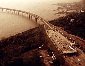 Tappan Zee Bridge (1955–2017) - Tappan Zee Bridge toll plaza, 1973