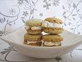 Tea-flavoured macaron parisien (5715758217).jpg