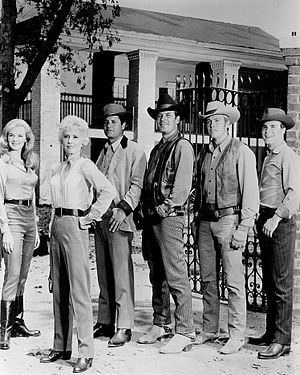 The Big Valley - L-R: Linda Evans, Barbara Stanwyck, Richard Long, Peter Breck, Lee Majors and Charles Briles (1965)