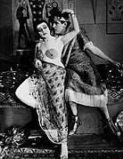 Theda Bara-Thurston Hall in Cleopatra.jpg