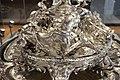 Thomas e françois-thomas germain, centrotavola del duca di aveiro, argento, parigi 1729-57, 06 cane.jpg
