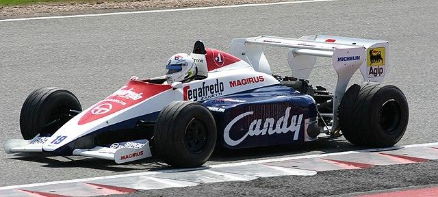 640px-Toleman_TG184_2008_Silverstone_Classic.jpg?uselang=ru