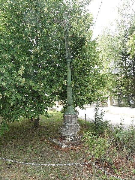Ugny-sur-Meuse (Meuse) croix de chemin