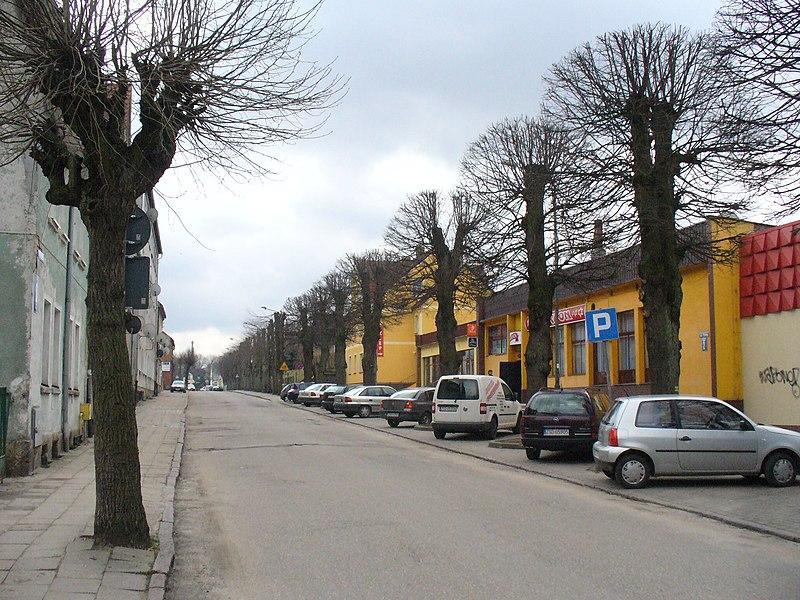 File:Ulica Piwna w mieście o piwowarskich tradycjach - panoramio.jpg
