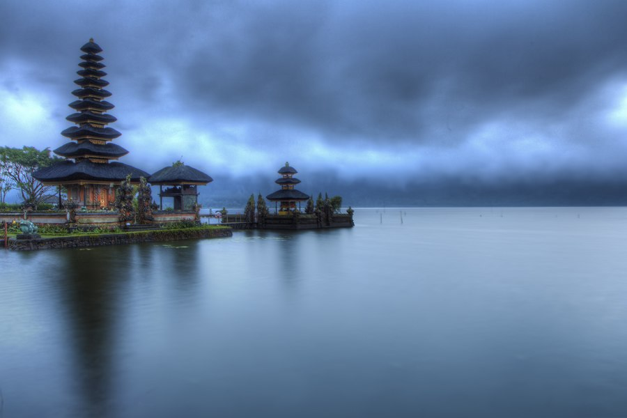 Ulun Temple at blue hour (7750197798)