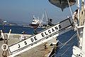 Un oficial de la Armada y dos de la Guardia Civil subiendo a bordo del Buque Escuela Juan Sebastián de Elcano (14717156115).jpg