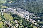 Uzsa község és a bánya látképe.jpg