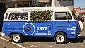 VW Bus vor der Kathedrale von Viseu.jpg