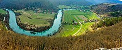Valley of Kolpa river (25080838891) (2).jpg