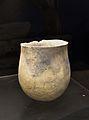 Vas neolític amb perfil en forma de tulipa, museu de l'Aigua d'Alacant.JPG