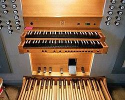 Vaterstetten, Zum kostbaren Blut Christi, Orgel (1).jpg