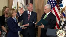 Datei:Vice President Pence Swears-in Director of National Intelligence Dan Coats.webm