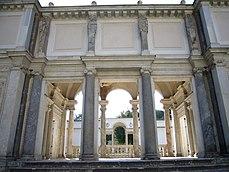 Villa Giulia - loggia ammannati dal primo cortile 1040219.JPG