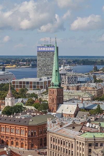 File:Vistas desde la iglesia de San Pedro, Riga, Letonia, 2012-08-07, DD 21.JPG