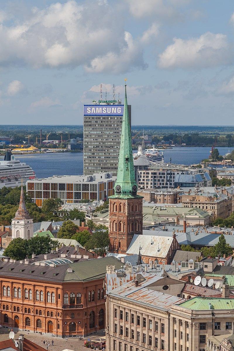 Vistas desde la iglesia de San Pedro, Riga, Letonia, 2012-08-07, DD 21.JPG