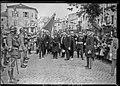 Voyage présidentiel à Château-Salins 3-6-23, M. Millerand salue le drapeau et les troupes.jpg