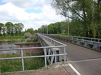 Waalwijkse spoorbrug.jpg