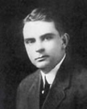 Walter Dandy - Image: Walter Dandy, ca. 1915
