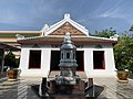 Wat Ratcha Orasaram วัดราชโอรสาราม 2019 26.jpg