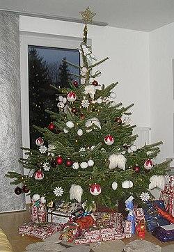 små juletrær