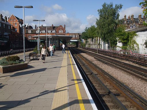 West Hampstead tube stn eastbound look west