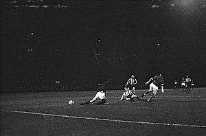 David Herd (footballer) - David Herd scoring (1963)